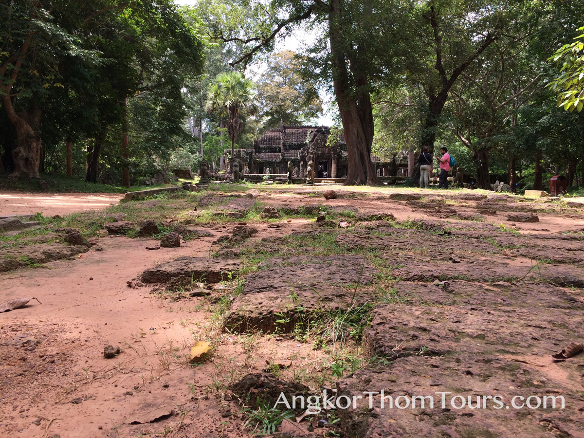 Banteay Kdei Missing Stones