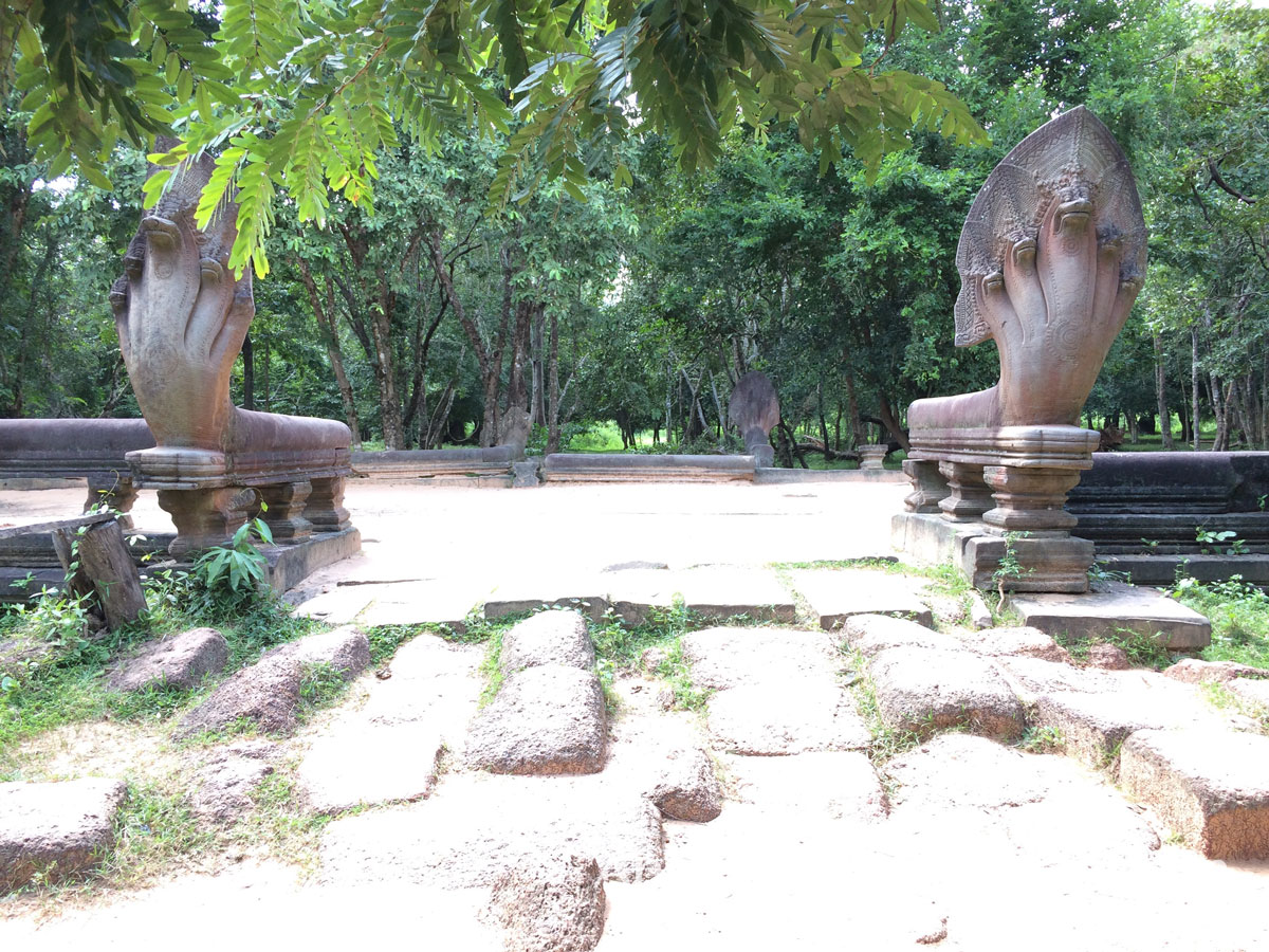 Entacted Naga East Causeway Enterance Exiting South Beng Mealea