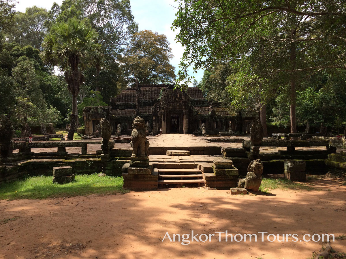 Entering The First Tier At Banteay Kdei