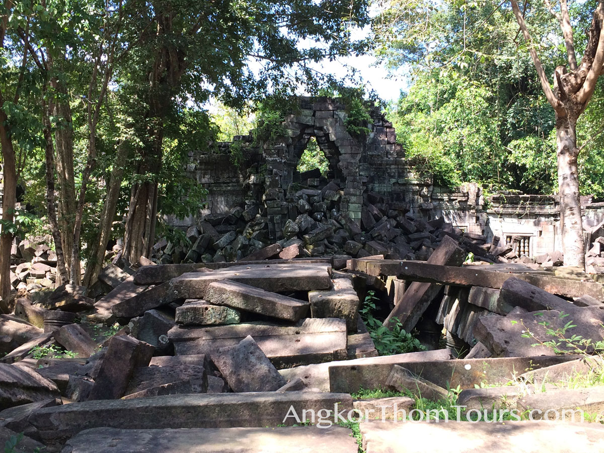 Main Archway Beng Mealea In Ruins