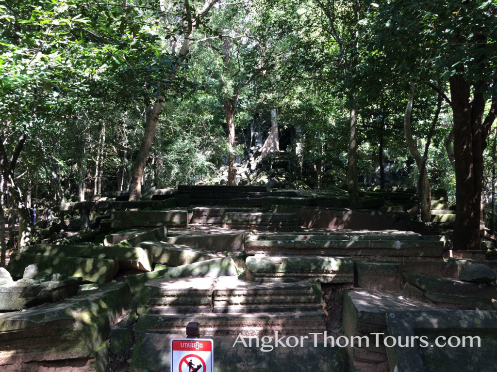 North Enterance Beng Mealea In Ruins