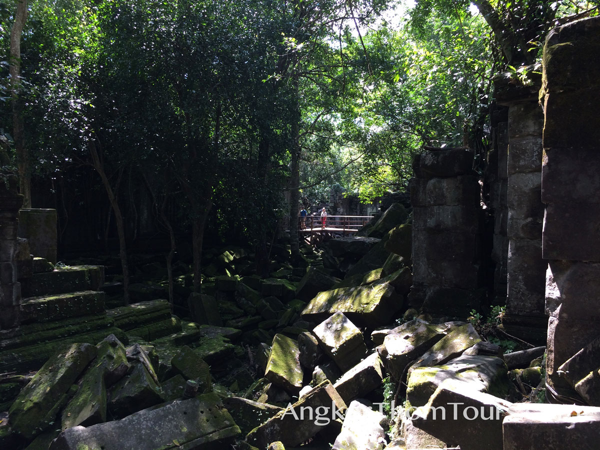 Ruins Of Ancient Halls Beng Mealea